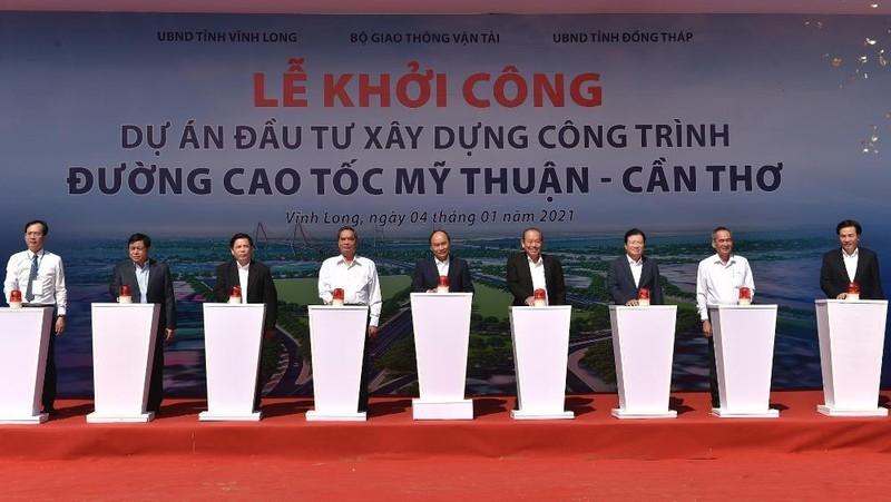 Khởi công dự án đầu tư xây dựng công trình đường cao tốc Mỹ Thuận - Cần Thơ