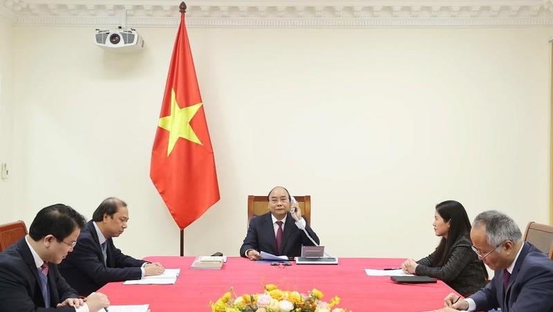 Thủ tướng Nguyễn Xuân Phúc điện đàm với Thủ tướng Australia Scott Morrison. Ảnh: VGP/Quang Hiếu