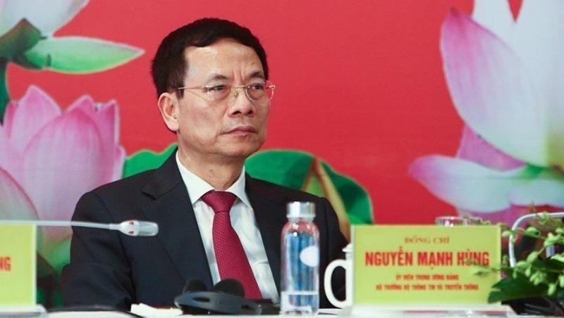 Bộ trưởng Bộ TT-TT Nguyễn Mạnh Hùng tại buổi họp báo.