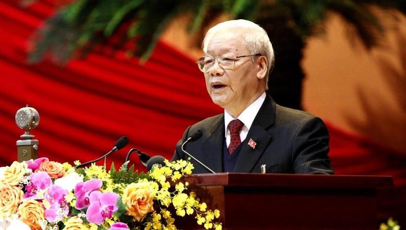 Đồng chí Nguyễn Phú Trọng, Tổng Bí thư, Chủ tịch nước, Trưởng Tiểu ban Văn kiện trình bày Báo cáo của Ban Chấp hành Trung ương Đảng khoá XII về các văn kiện trình Đại hội XIII của Đảng. Ảnh: daihoi13