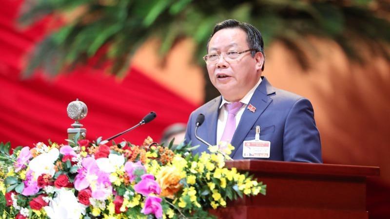 Ông Nguyễn Văn Phong - Phó Bí thư Thành ủy Hà Nội trình bày tham luận của Thành ủy Hà Nội tại Đại hội XIII của Đảng.