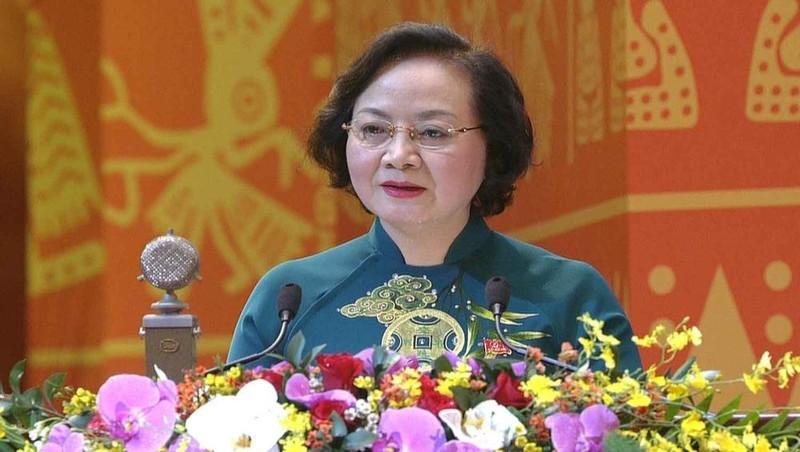 Bà Phạm Thị Thanh Trà, Ủy viên Trung ương Đảng, Thứ trưởng Bộ Nội vụ tham luận tại Đại hội Đảng toàn quốc lần thứ XIII, sáng 28/1.