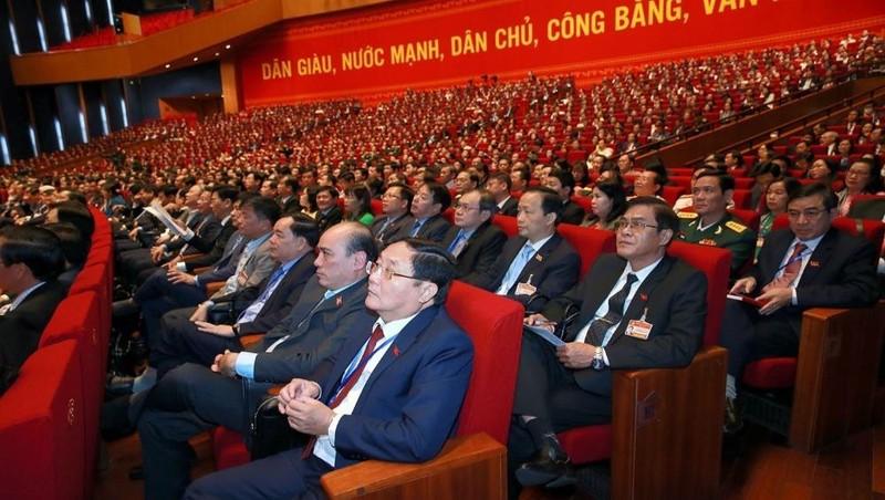 Đại hội XIII nghe Báo cáo của Ban Chấp hành Trung ương Đảng khoá XII về công tác nhân sự Ban Chấp hành Trung ương Đảng khoá XIII.