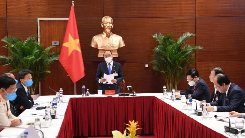 Thủ tướng triệu tập cuộc họp khẩn về dịch Covid-19 khi Đại hội XIII đang diễn ra