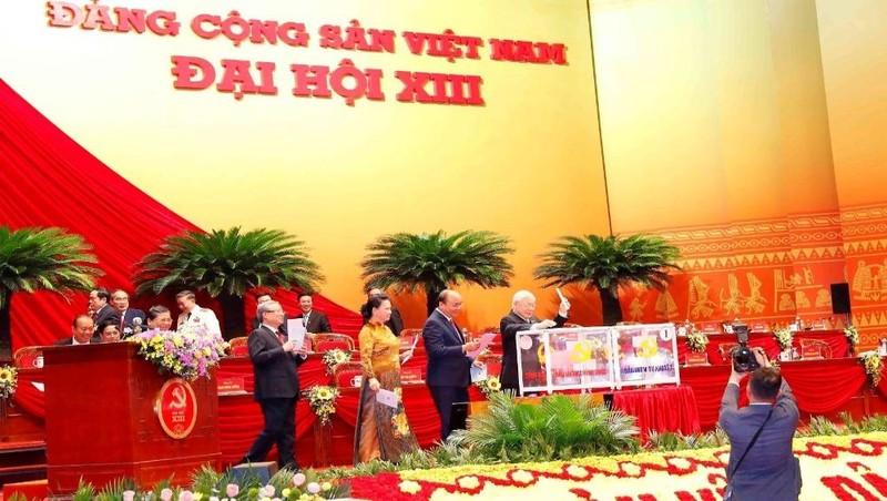 Đang kiểm phiếu bầu Ban Chấp hành Trung ương khóa XIII