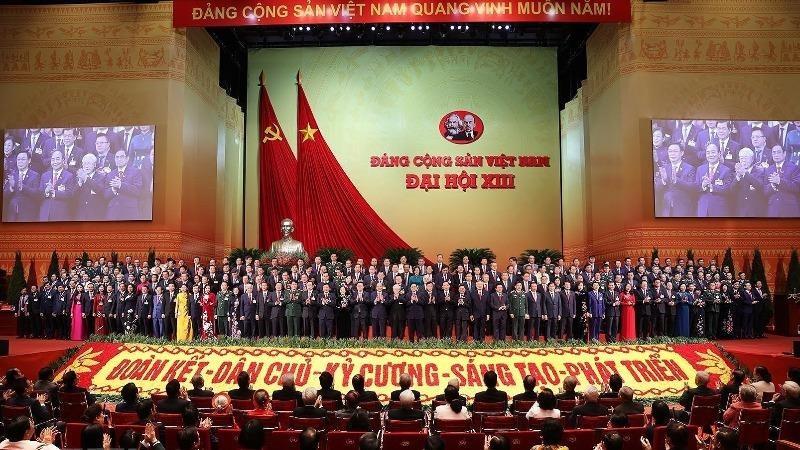 Ban Chấp hành Trung ương khóa XIII ra mắt Đại hội