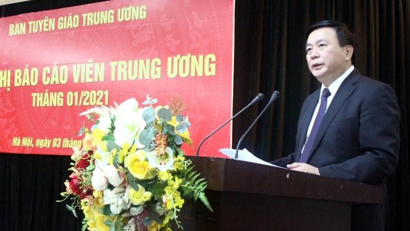 Ông Nguyễn Xuân Thắng báo cáo nhanh về kết quả Đại hội đại biểu toàn quốc lần thứ XIII của Đảng.