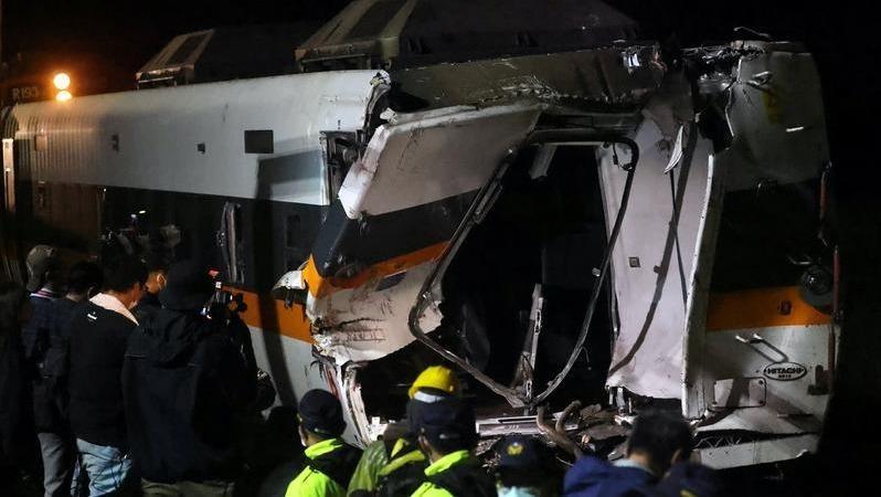 Bộ trưởng Giao thông vận tải Đài Loan (Trung Quốc) từ chức sau vụ tai nạn tàu hoả thảm khốc