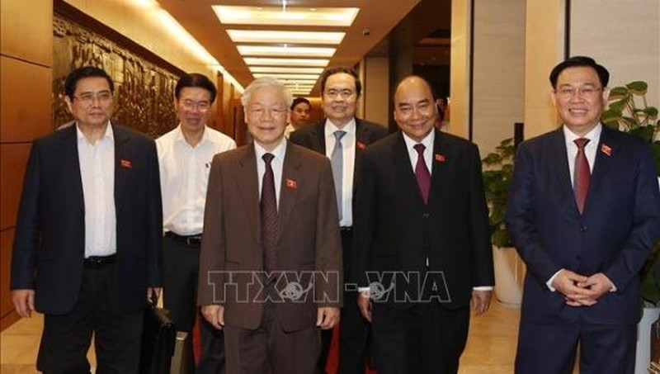 Các đồng chí lãnh đạo Đảng, Nhà nước dự kỳ họp thứ 11 Quốc hội khoá XIV. Ảnh: Trí Dũng/TTXVN
