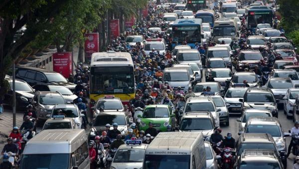 Mỗi năm cả nước tăng khoảng 500.000 xe ô tô nên ùn tắc giao thông ngày càng gia tăng. Ảnh minh hoạ: mt.gov.vn