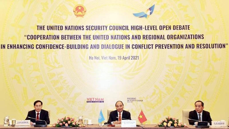 Chủ tịch nước Nguyễn Xuân Phúc đánh giá cao nỗ lực hợp tác giữa các tổ chức khu vực với LHQ trong ngăn ngừa, giải quyết xung đột.