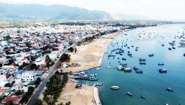 Đề xuất lấn 1.500 ha biển ở Vân Phong