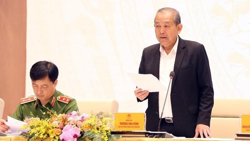 Phó Thủ tướng Trương Hòa Bình nêu rõ các nhiệm vụ trong thời gian tới để hoàn thành việc xây dựng Chính phủ điện tử. Ảnh: VGP
