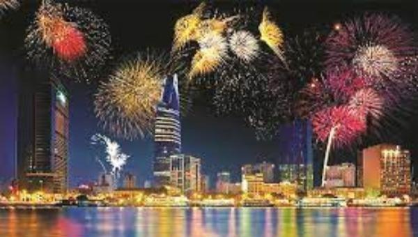 TP HCM tạm dừng việc tổ chức bắn pháo hoa trong dịp Lễ 30/4