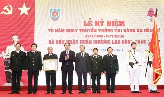Trang trọng Lễ Kỷ niệm 70 năm Ngày truyền thống Thi hành án dân sự