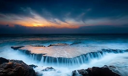 Hang Rái - thác trên biển duy nhất tại Việt Nam