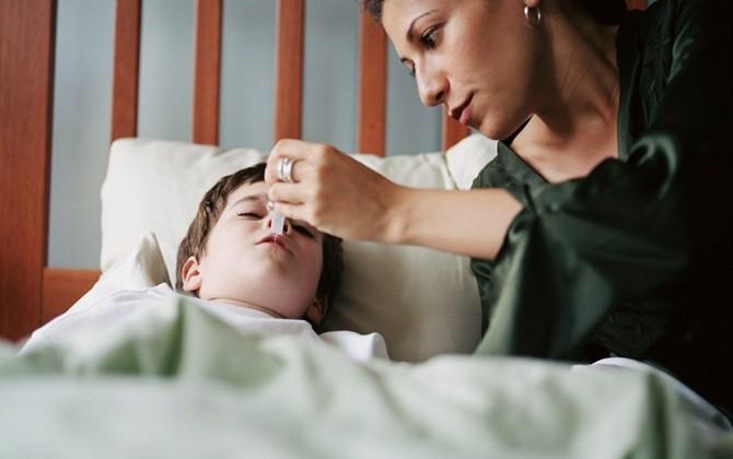 trẻ bị ốm, bí quyết để trẻ không lây bệnh, mẹo hay chữa bệnh cho con, lưu ý khi con bị ốm