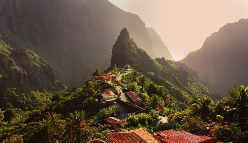 Dạo quanh những ngôi làng thần tiên trên khắp 5 châu