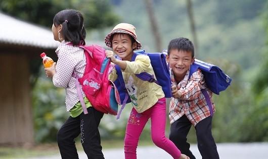 Trẻ vùng cao e thẹn chia sẻ ước mơ Tết Trung thu