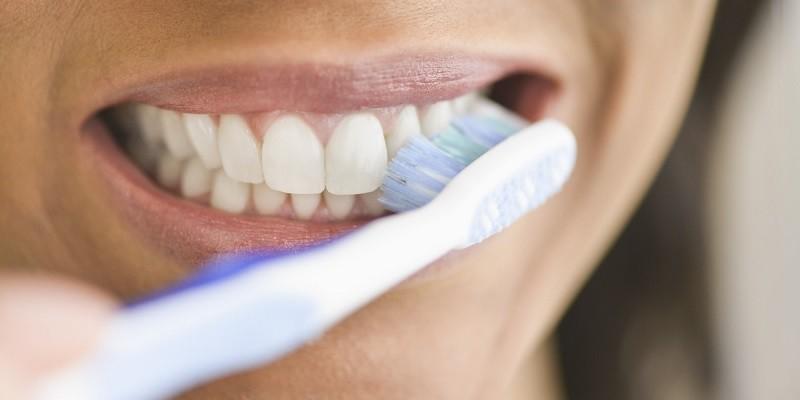Kết quả hình ảnh cho bàn chải đánh răng nhiễm khuẩn