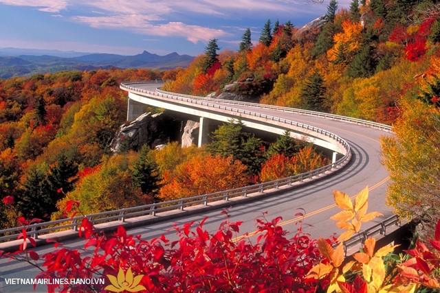 Những con đường mùa thu đẹp nhất thế giới