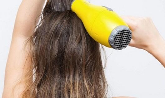Tuyệt chiêu giúp tóc mỏng dày lên trông thấy
