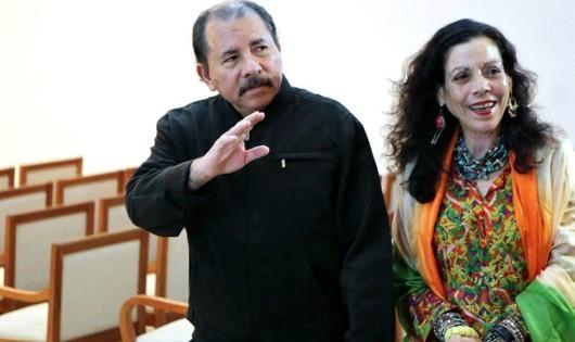 """Nicaragua: Vợ chồng """"chia"""" ghế nguyên thủ quốc gia"""