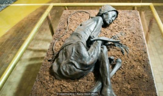 Bất ngờ sự thật về những xác ướp bùn 2.000 năm tuổi