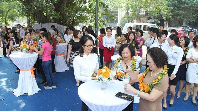 Khách hàng tham dự sự kiện