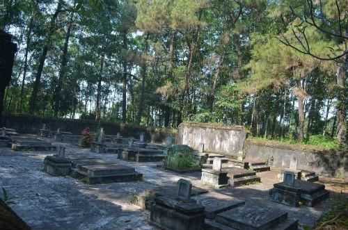 Toàn cảnh khu lăng mộ thái giám
