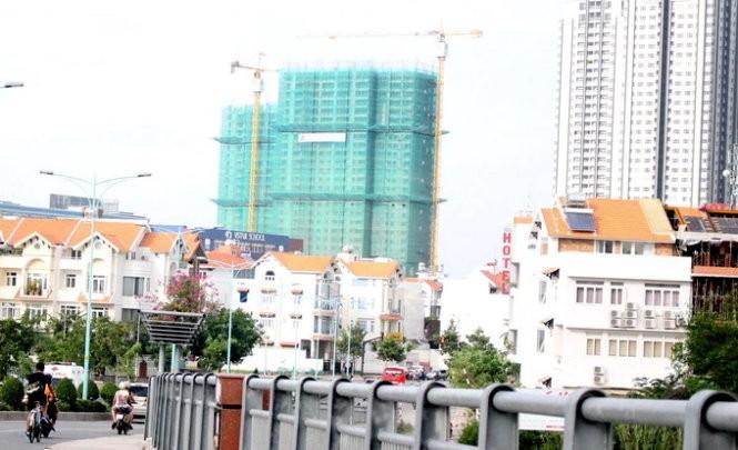 Giao dịch nhà đất sôi động tại khu dân cư Him Lam, Q.7, TP.HCM - Ảnh: P.U.