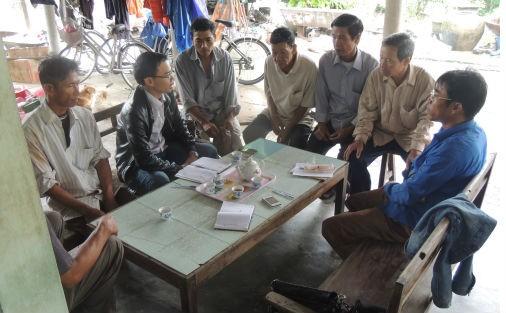 Các hộ dân chia sẻ những khó khăn và bày tỏ nguyện vọng lên các cấp chính quyền.