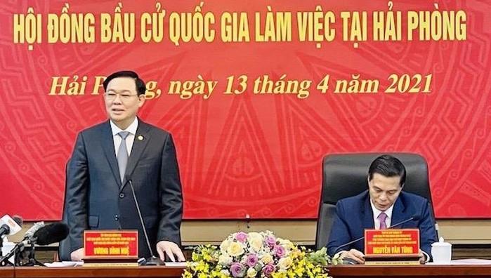 Uỷ viên Bộ Chính trị, Chủ tịch Quốc hội Vương Đình Huệ phát biểu tại buổi làm việc với TP Hải Phòng.