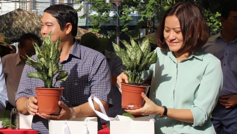 Phát động Tết trồng cây nhớ ơn Bác Hồ tại quận Gò Vấp