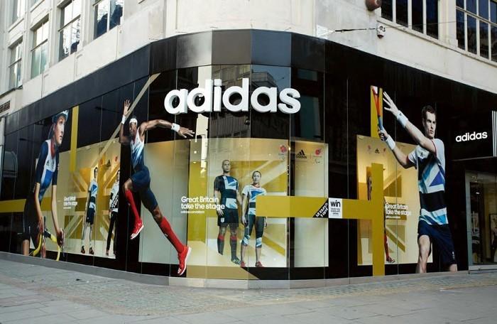 Bán gấp 3 lần giá vốn, Adidas Việt Nam vẫn… báo lỗ triền miên