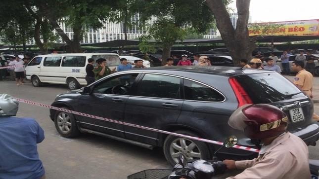 """Phó Ban tổ chức Quận ủy Cầu Giấy bị bắt vì """"cò mồi"""" sát thủ"""