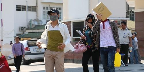 Hà Nội: Nắng nóng, nhiều người vật vã trong bệnh viện