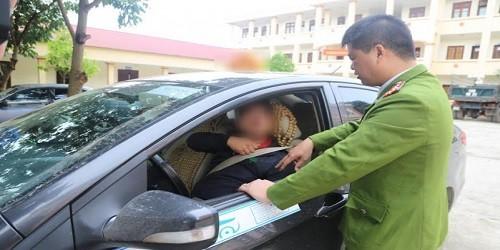 Bắt nóng kẻ cướp lái xe taxi trên đỉnh Mẫu Sơn