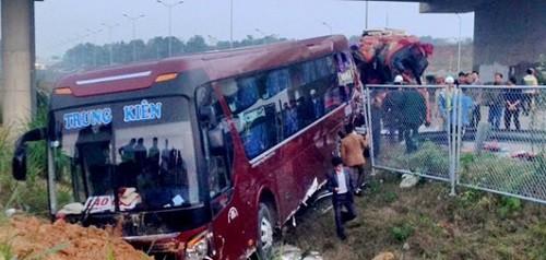Khởi tố hình sự vụ tai nạn cao tốc Hà Nội - Lào Cai