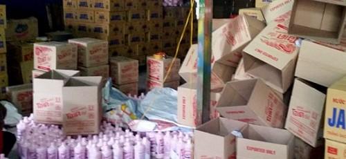 Hà Nội: Phát hiện cơ sở sản xuất nước tẩy rửa giả