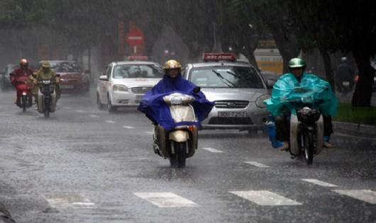 Hôm nay, mưa rào và dông diễn ra cả ở miền Bắc và miền Nam
