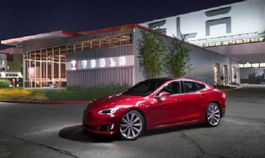 Tesla đang chiếm lĩnh thị trường xe hạng sang
