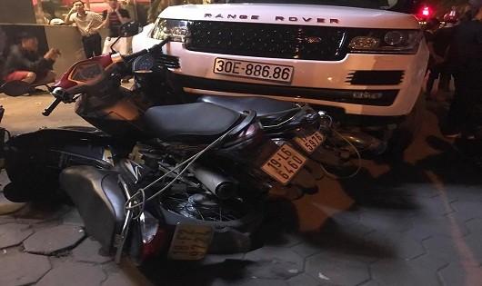 """Hà Nội: Nghi vấn cướp """"xe sang"""" rồi gây tai nạn liên hoàn"""