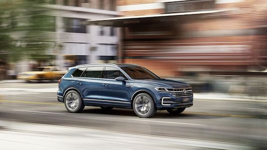 """Ngắm """"trộm""""  Volkswagen Touareg 2019 lần đầu lăn bánh"""