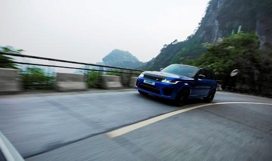 Range Rover Sport SVR xác lập kỷ lục trên cung đường núi Thiên Môn