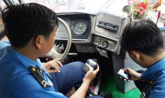 Hiệp hội Vận tải ô tô đề nghị xem xét lộ trình tắt sóng để không ảnh hưởng tới hàng nghìn xe đang lưu thông.