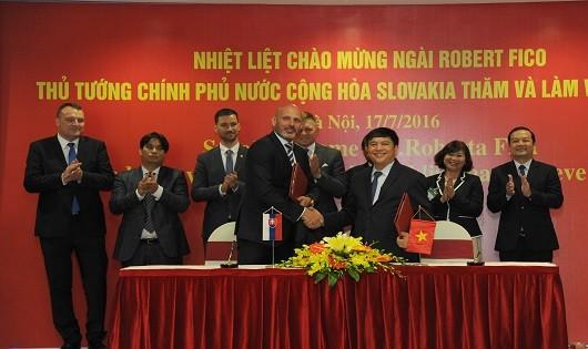 Cộng đồng người Việt tại Slovakia chính là những khách hàng tiềm năng và là cầu nối để VNPT có thể thâm nhập thị trường và cộng đồng người Việt tại các nước EU