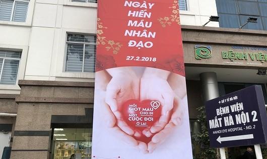 Y bác sĩ Bệnh viện Mắt Hà Nội 2 hiến máu nhân đạo trong ngày Thầy thuốc Việt Nam
