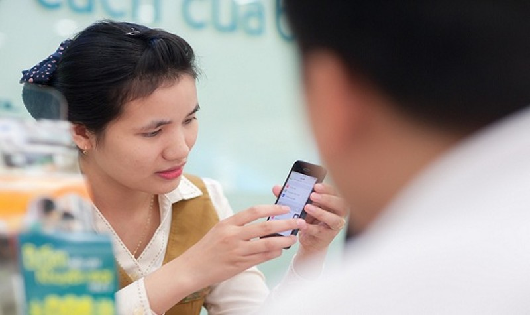 Từ ngày 15/11, khách hàng không còn được nhà mạng hỗ trợ quay số song song tới số điện thoại 11 số.
