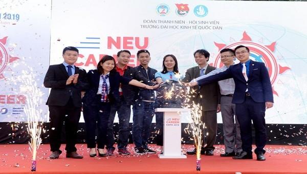 Khai mạc Ngày hội việc làm 2019 – NEU Career Expo 2019